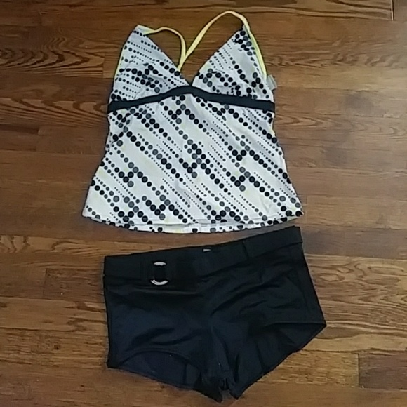 a36f9faceddf Nike 2 piece swim suit. M 5b3553b88ad2f9497d7d6e0b